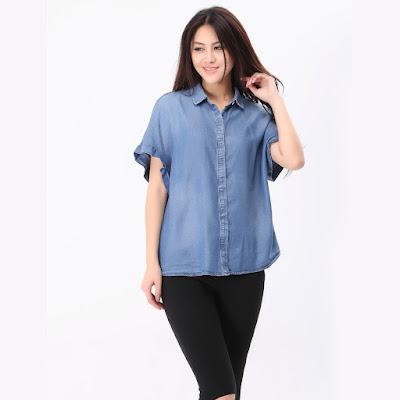 Model Kemeja Jeans Wanita Casual Lengan Pendek