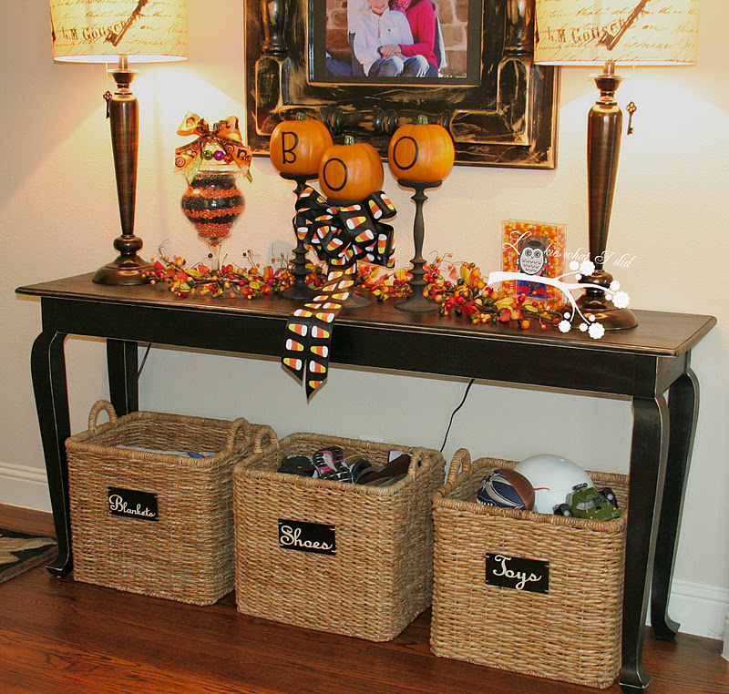 Lookie what i did i finally have a foyer table Foyer console decorating ideas