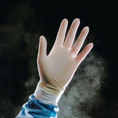 FDA prohibe guantes con talco