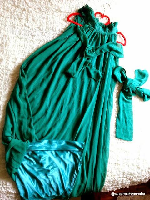 http://supermakwannabe.blogspot.com/2014/06/giveaway-maxi-dress-yang-cantik-untuk.html
