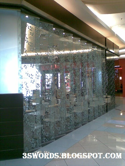 glass partition as decorative wall panel