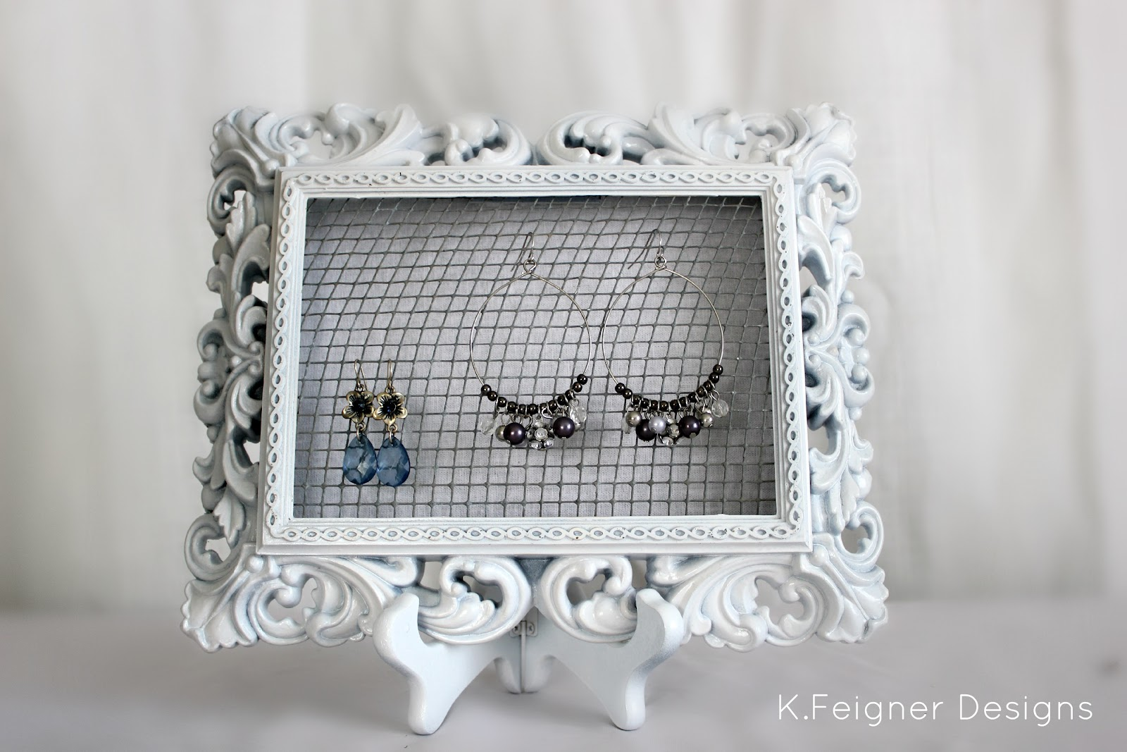 The Crafty Housewife: DIY Frame Earring Display Holder