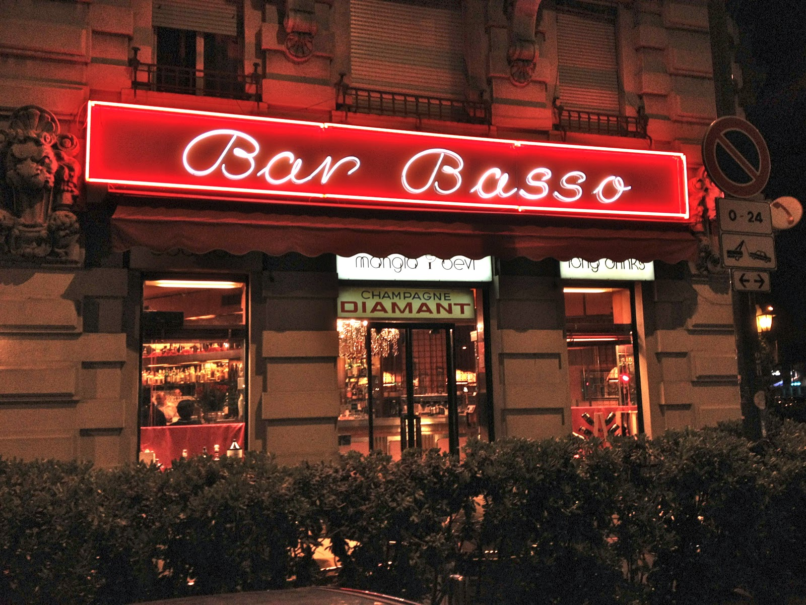 Not drinking poison in paris n d p in milan bar basso for White bar milano