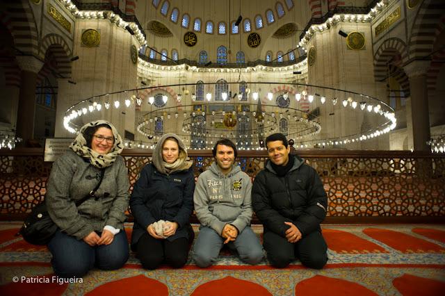 Anna, Lisa, Cenk and Vinicius at Süleymaniye Mosque
