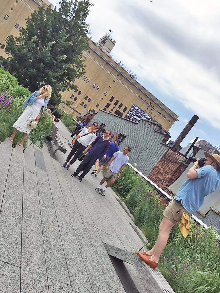 Photo shoot on the High Line NYC, behind the scenes with Keaton Row