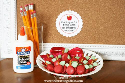 http://4.bp.blogspot.com/-ymSWTEseZOw/TbtCUVJVTQI/AAAAAAAABz4/kICEH_uDA4U/s1600/teacher-appreciation-gift2.png