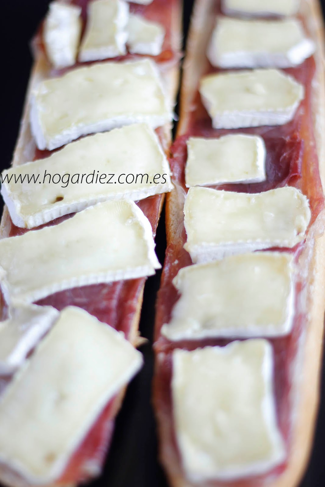 Tosta de jamón y queso brie