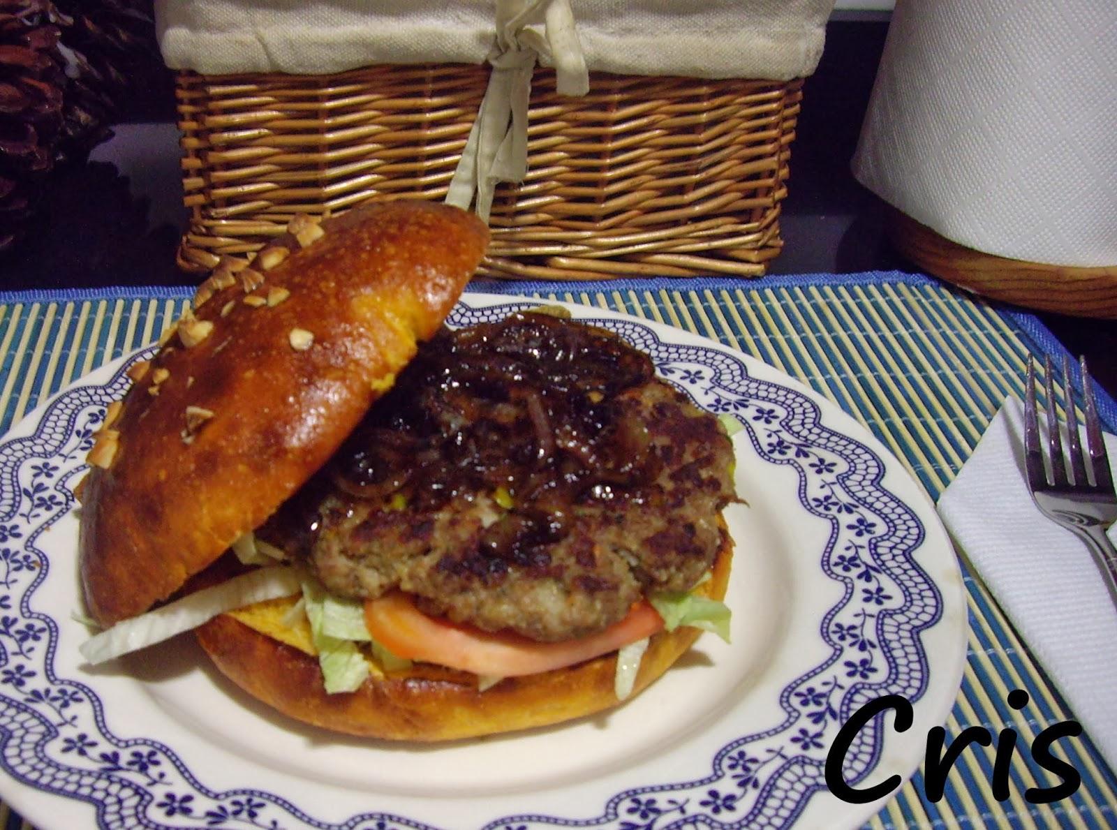 Hamburguesa de verduras con pan de tomate y cebolla - Hamburguesa de verduras ...