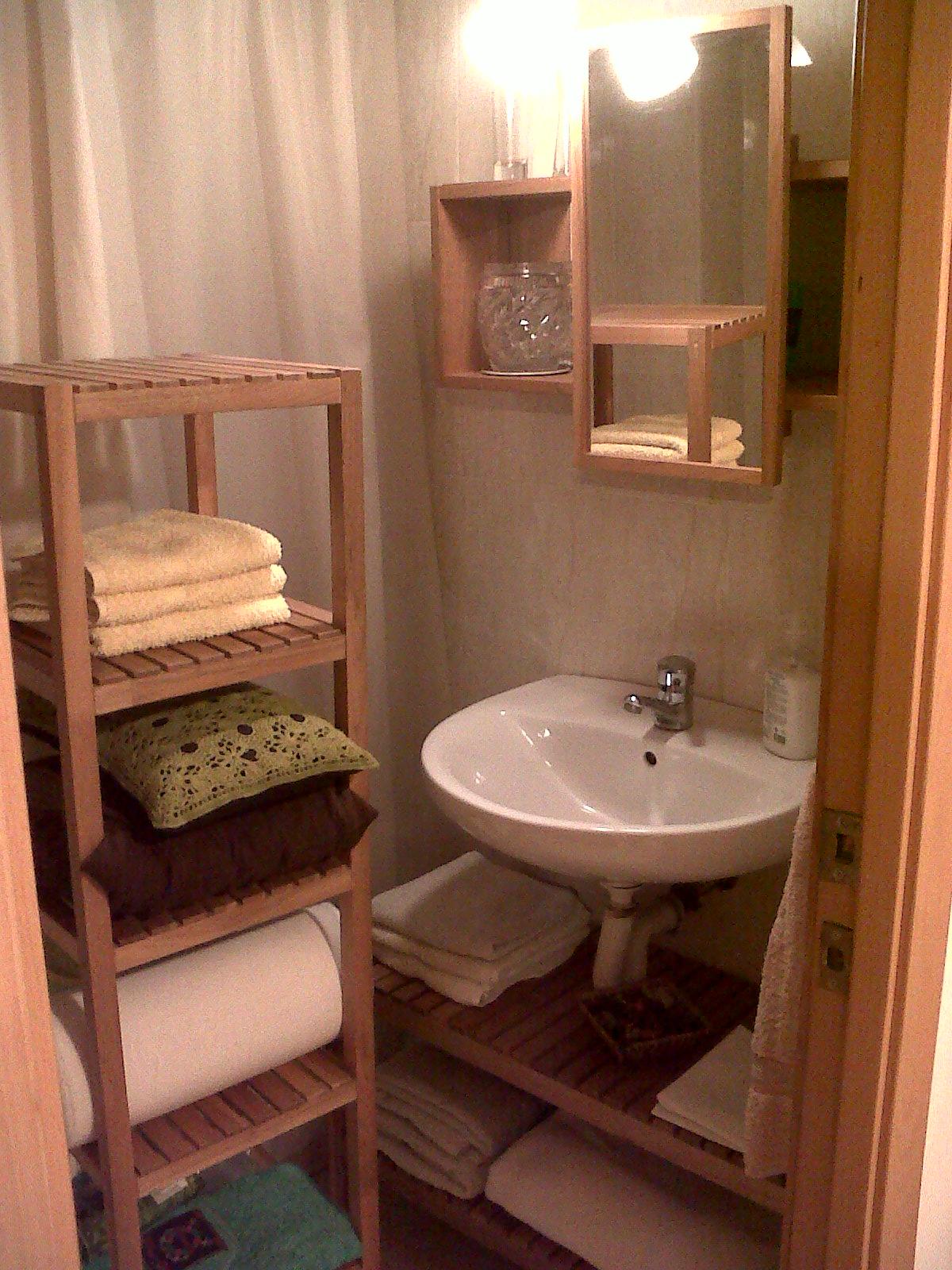 Imagenes de muebles de madera para ba o for Muebles de bano