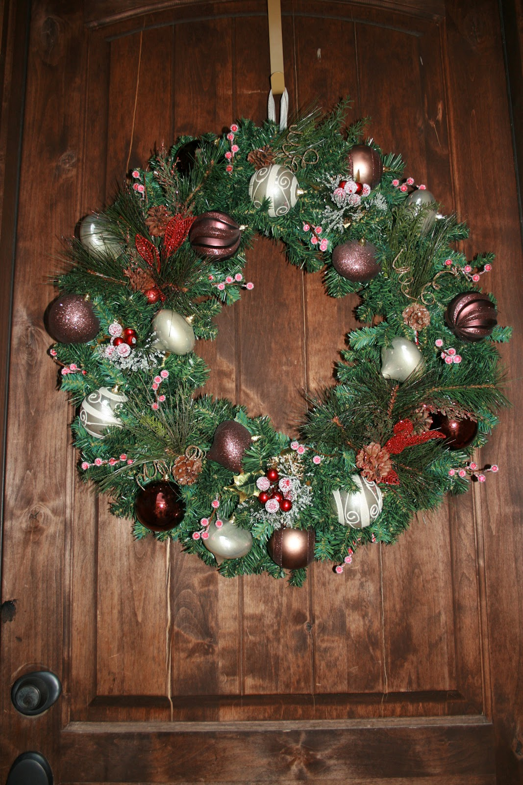 Do It Yourself Christmas Holiday Wreath Craft