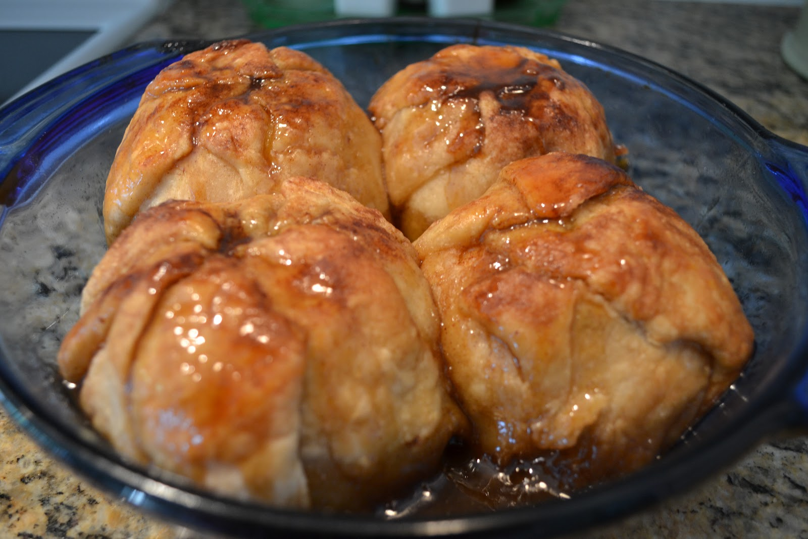 Closet Crafter: Rustic Apple Dumplings