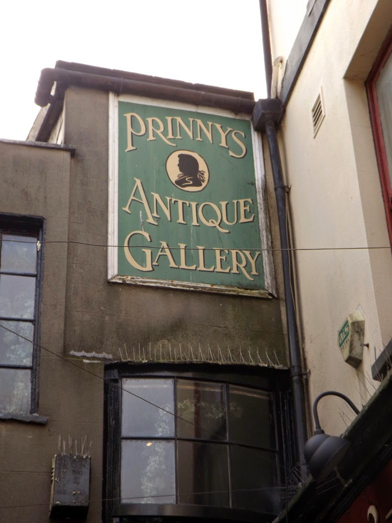 prinnys antique gallery painted sign the lanes brighton