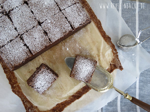 Vollmilch-Schokopudding-Kuchen rehlein backt. Magic Custard Chocolate Cake.