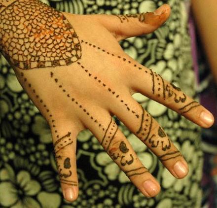 Beautifull and latest mehndi design dresses design for gilrs 2012 - Beautifull And Latest Mehndi Design Dresses Design For