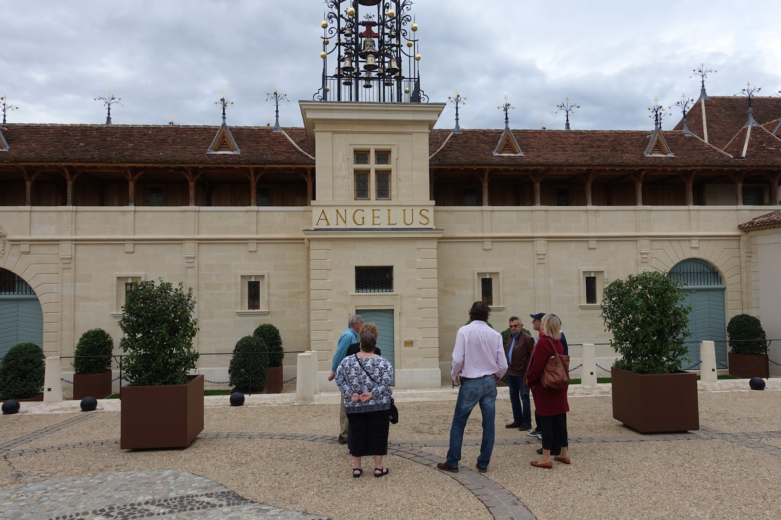 Schiller wine tour and tasting at ch teau ang lus for Chateau angelus