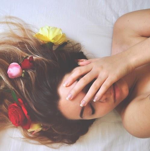 capelli  lisci o mossi in maniera naturale