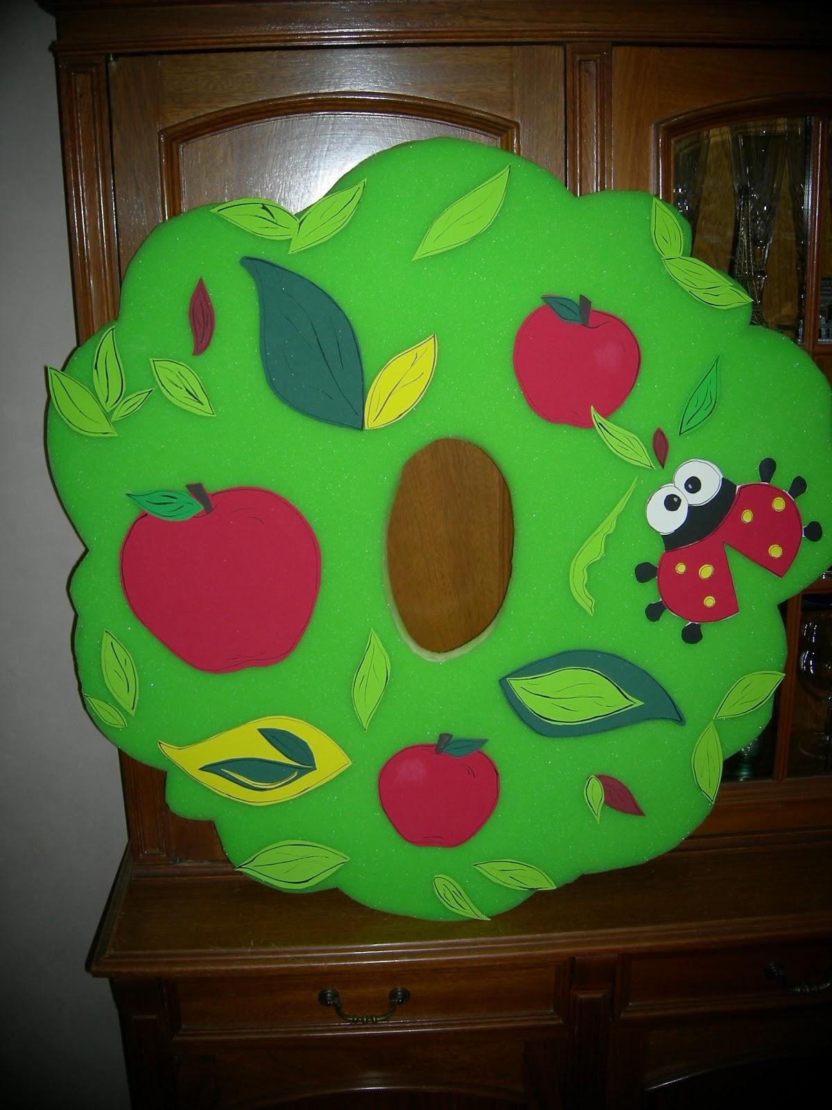 MODELO 1 - Decoración: Manzanas y Vaquita de San Antonio