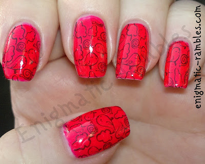 hot-pink-color-club-warhol-nails-inc-new-york-noir-bundle-monster-BM302-302