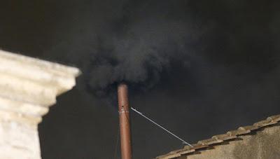 fumata negra primer dia de votaciones