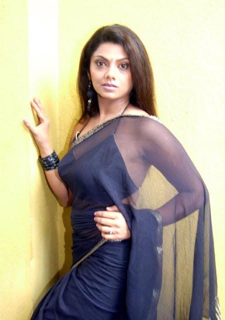 ... Swathi Verma - Tamil Mallu Aunty New Hot Sexy Pics Photos Saree Stills