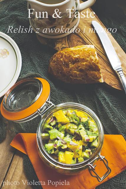 Relish z awokado i mango