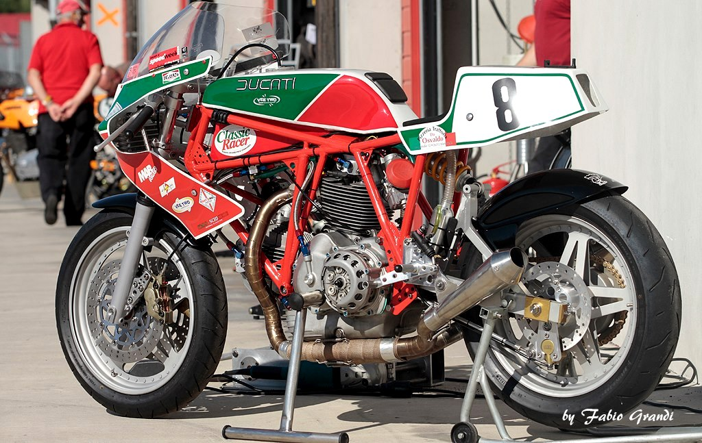 Ducati   Cafe Racer Parts