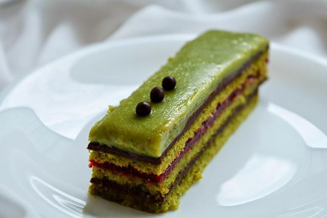 opéra matcha framboise chocolat