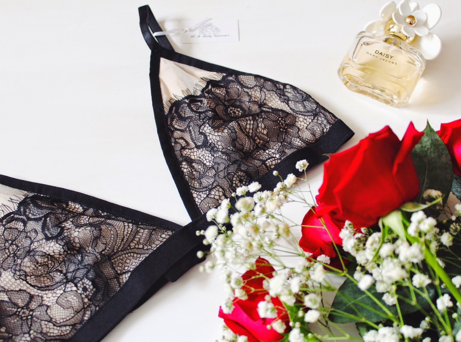fbloggers, fashion, fashionbloggers, ohsolovelyintimates, wiw, underwear, lingerie, marcjacobs, marcjacobsdaisy, asseenonme, fblogger, fashionblogger, lace, lacebralette, blacklace, halcyonvelvet, lotd, lookoftheday
