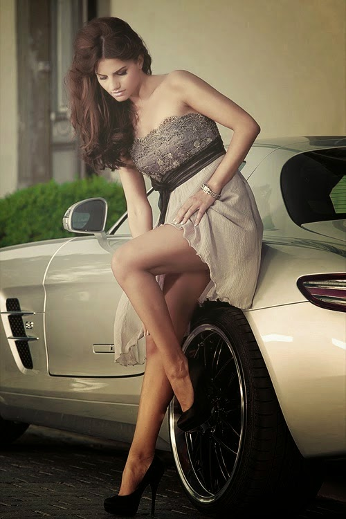 Super Fashion With Super car