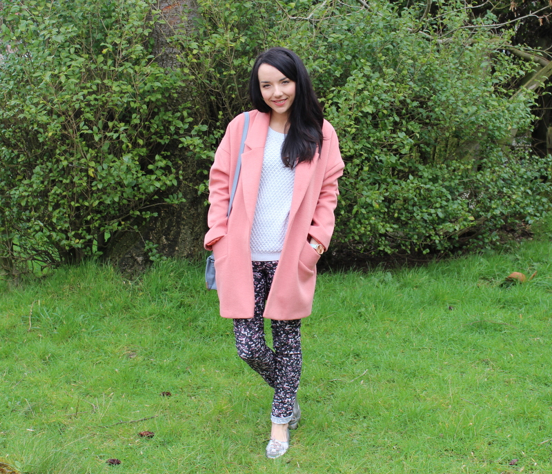 Coral Coat outfit blogger