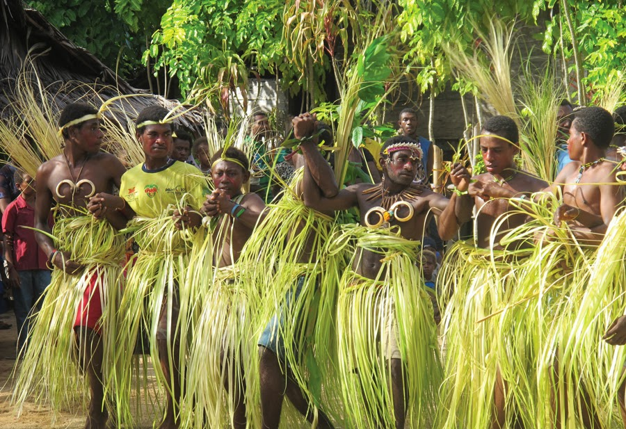 an overview of the trobrianders of papua new guinea Context: read this in bed on a rainy, rainy autumn day in bar hill review the trobriand islands are a small archipelago just north east of the mainland coast of papua new guinea.