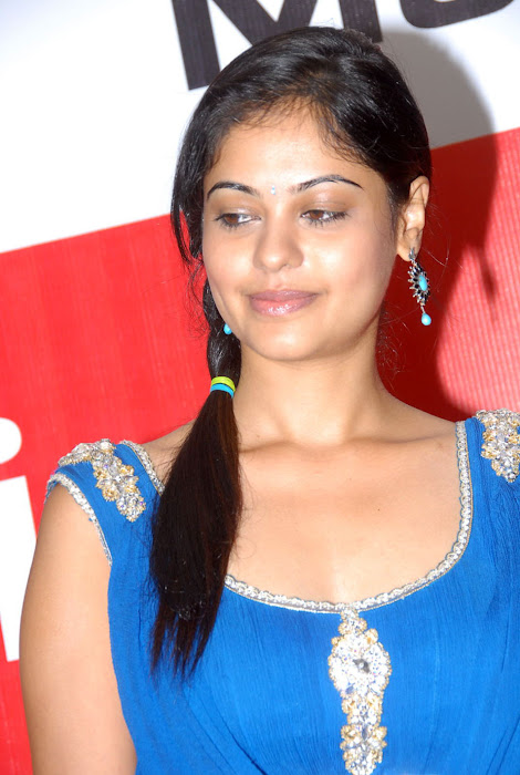 bindhu madhavi at celkon mobile successmeet, bindhu madhavi hot images
