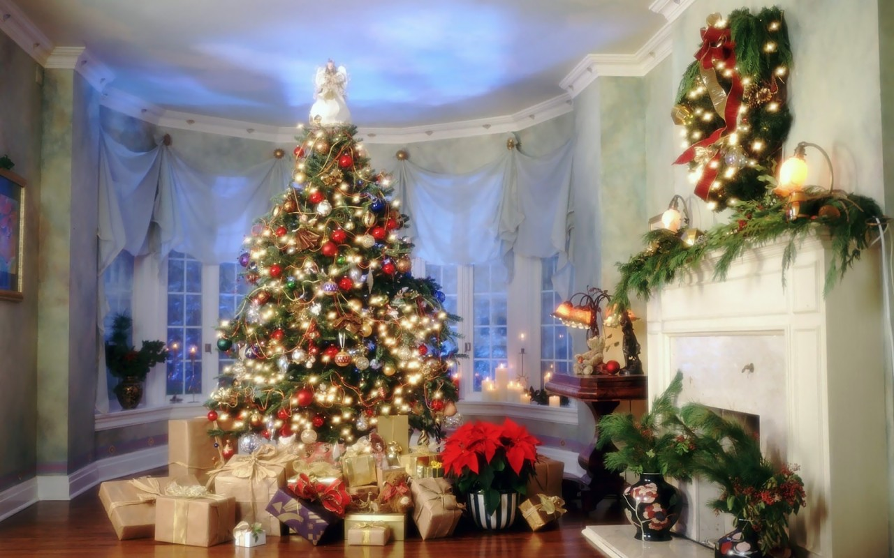 ������ ��������� 2012 ������ ����� Christmas-New-Year-Tree-Wallpapers.jpg