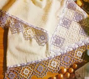 Patrón de fina puntilla para decorar toallas