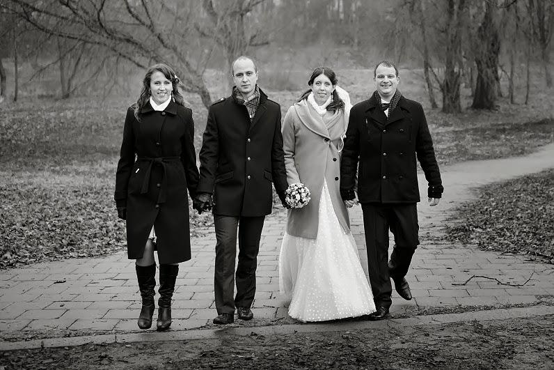 juodai baltos vestuvių nuotraukos