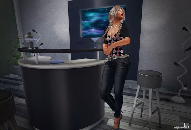 Review of Virtual Fashion and Home Decor