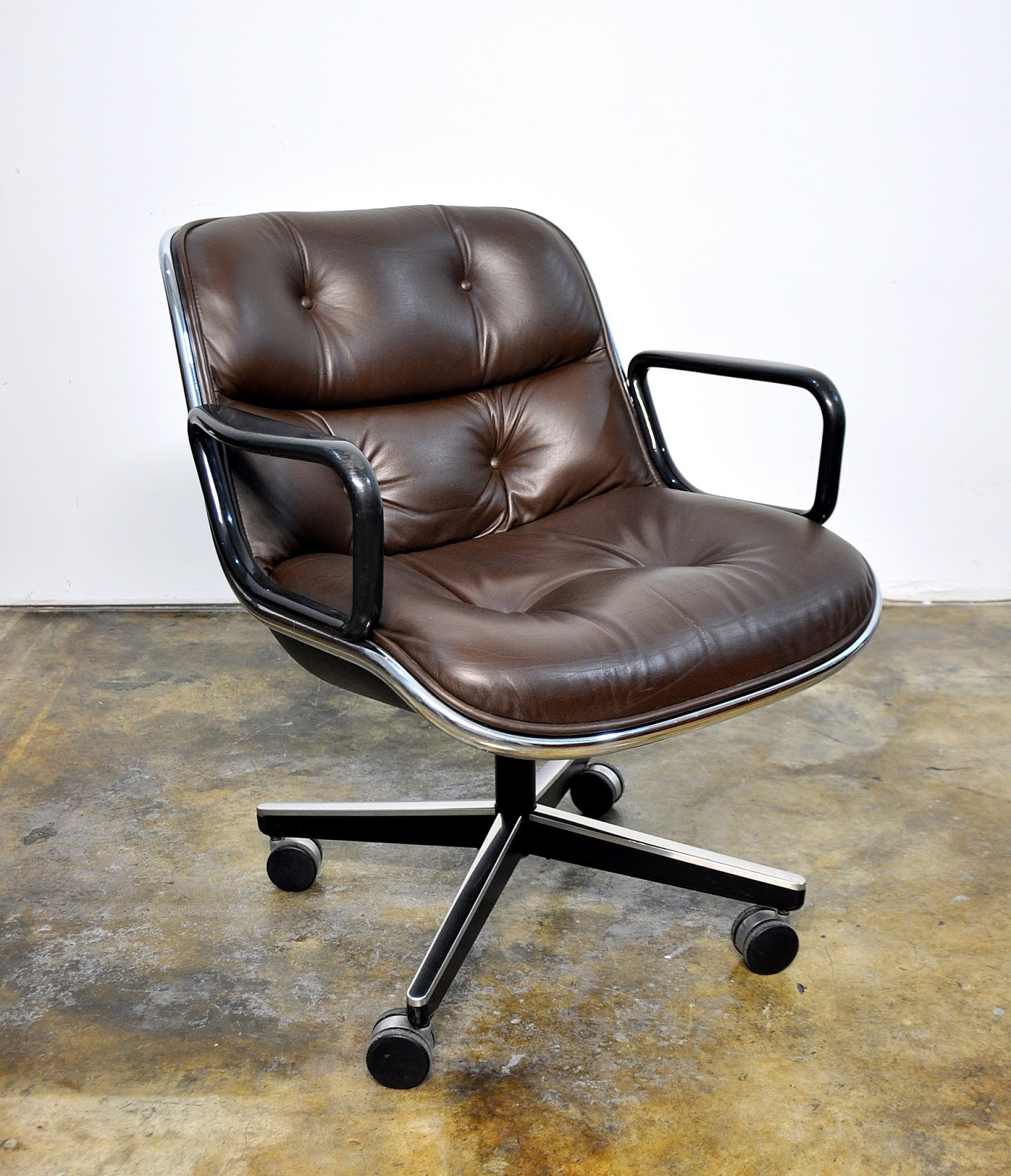 Charles Pollock For Knoll Leather Executive Chair