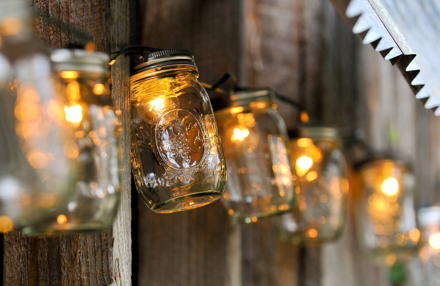 5 Great Outdoor Mason Jar Lighting Projects