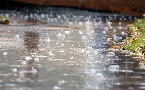 Gambar Ketika Hujan Lengkap