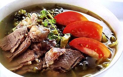 Nấu canh dưa cải chua bắp bò thanh mát vô cùng ngon