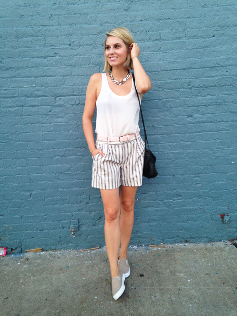Late summer country club pastel look, preppy street style, monochromatic OOTD, blue brick wall, Brooklyn New York, Ann Taylor, Gap, H&M, Bottega Veneta