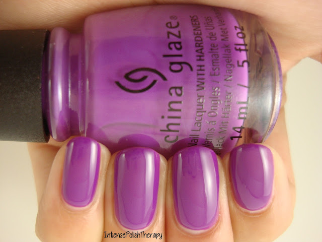 China Glaze - Violet-Vibes