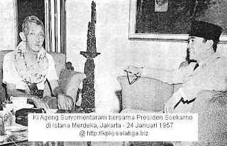 Ki Ageng Suryamentaram bersama Presiden Sukarno