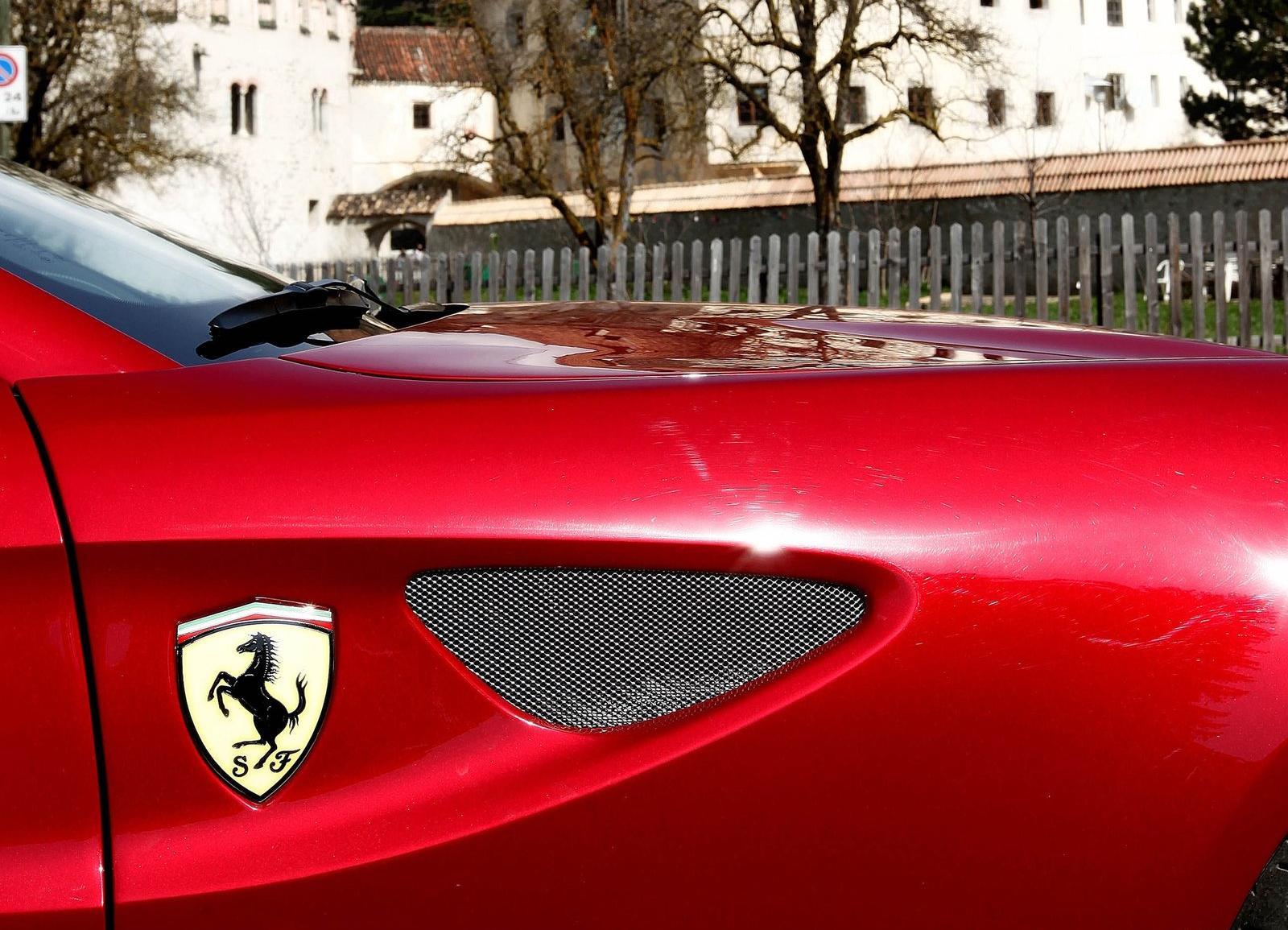 Lexus lf gh concept 2011 exterior detail 49 of 49 1600x1200 - Ferrari Aiming To Sell 8 000 Units Per Annum