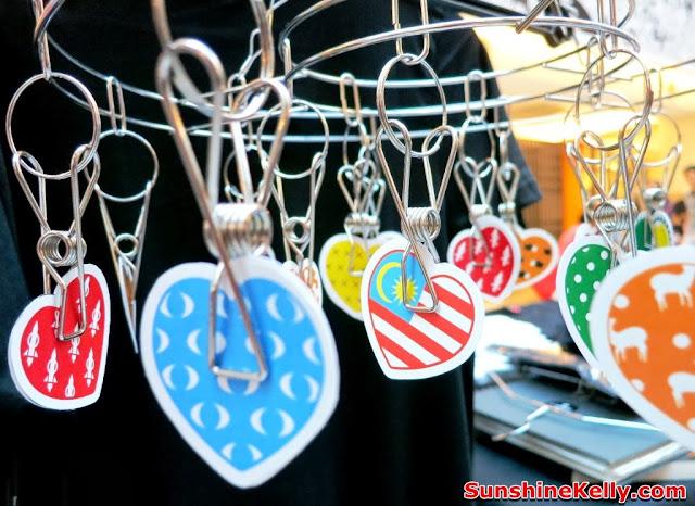 idotshirt, 16 hearts design, online tshirt design, trshirt design