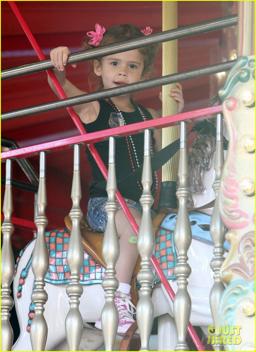 Hollywood Celebrity Babies Photos