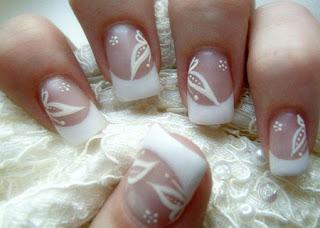 4 Novias: decoración de uñas para el día de la boda