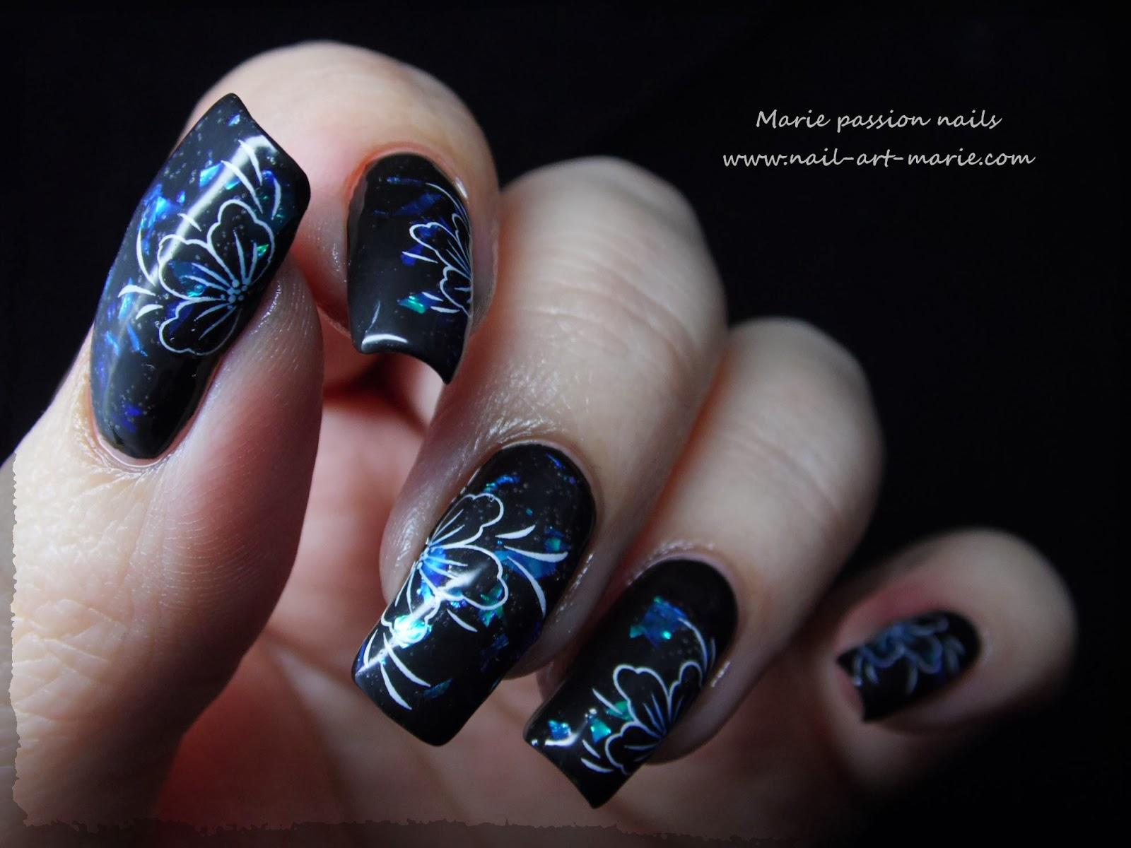 Nail art fleurs de diamant6