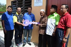 Malaysia, Berita, Johor, Johor Bahru, sepasang, warga tua, menerima, sebuah, rumah, baru, 38, tahun, tinggal, kediaman serba daif, Lorong Lembah, Kempas Baru, Abd Kahar Surat