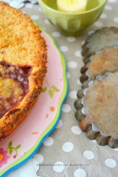 Crostata di confettura fatta in casa con prugne e cannella - shabby&countrylife.blogspot.it